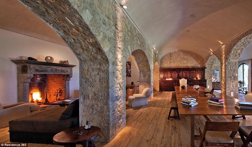 Pablo Picasso Antique Fireplace Restoration 2017